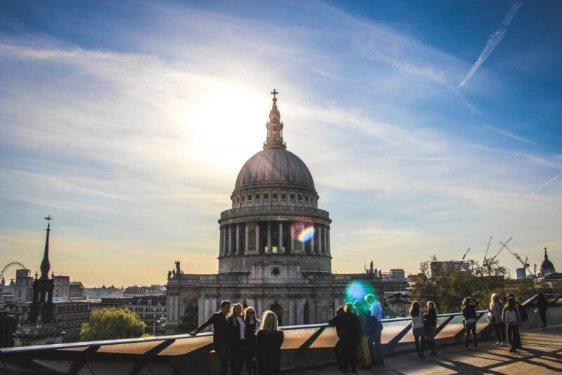 people-watching-sun-rising-over-st-pauls-london